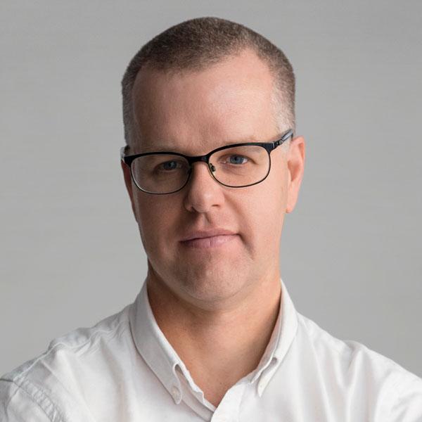 Associate Professor Stuart Mannering